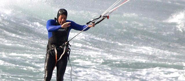 22.10 kite surfing-640